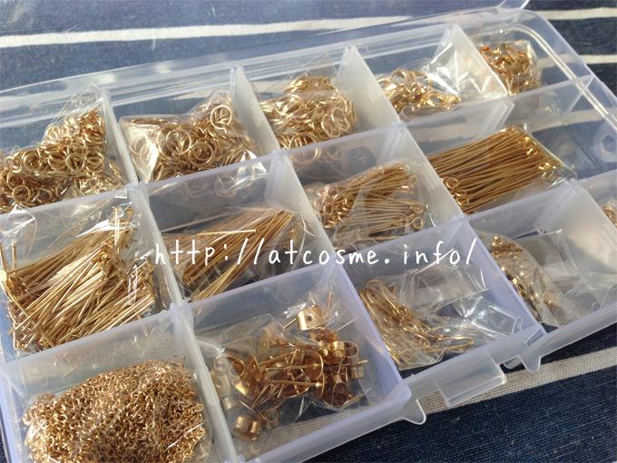 アクセサリーを作るためには、ピアスやイヤリング、チェーン、9ピン、丸カンなどが必要です。